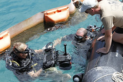 160720-A-ZQ422-030 (8th Theater Sustainment Command) Tags: army pacific hawaii oahu jointbasepearlharborhickam jbphh rimofthepacific rimpac 8ththeatersustainmentcommand 8thtsc 7thengineerdivedetachment 7thedd canada divers sidescansonar sss