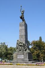 Heroes of the Leninist Communist Youth (AP4L0098 1JC) (Alex Panoiu) Tags: chiinu chisinau kishinev republicofmoldova moldova landscape monuments