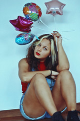 Balloons (TheJennire) Tags: photography fotografia foto photo canon camera camara colours colores cores light luz young tumblr indie teen happybirthday birthday balloons fashion style self curlyhair hair cabello pelo cabelo people portrait girl