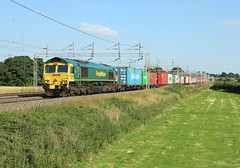 66555, Rugeley, 19 July 2016 (Mr Joseph Bloggs) Tags: 66 66555 555 bahn railway railroad gm emd rugeley freight freightliner container intermodal felixstowe crewe stafford nortonbridge polephotography pole