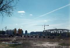 Beogradska arena, (Kombank arena) u izgradnji, maj 1997. god. (Milan Milan Milan) Tags: building serbia arena u 1997 belgrade 8m arene beograd gp smena maj novi srbija   arhitektura urbanizam  beogradska napred izgradnji izgradnja  energoprojekt devedesete kombank