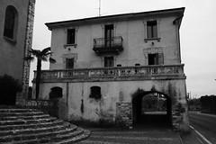 Building in Portese (GEO_Matt) Tags: italien italy holiday urlaub vacanze salo lagodigarda benaco gardasee sanfelicedelbenaco portesedelgarda