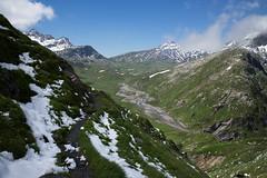 Plaun la Greina (GR) (Toni_V) Tags: alps landscape schweiz switzerland europe suisse hiking 28mm rangefinder trail mp alpen svizzera sentiero wanderung wanderweg randonne 2016 graubnden grisons svizra escursione leicam grischun elmaritm messsucher pizmedel plaunlagreina 160716 greinaebene greinahochebene reindasumvitg typ240 toniv muotlagreina m2400695 vrinpassdiesrutterrihtterabius