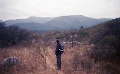 el fro (arimelo) Tags: zenit analogica traslasierra landscape flaco bonito back film tarde champaqui mountain invierno winter