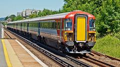 442402 (JOHN BRACE) Tags: 1988 brel derby built class 442 emu 442402 seen horley station gatwick express livery