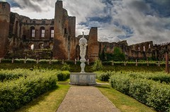 The statue in Kenilwoth Castle Gardens (21mapple) Tags: statue kenilworth kenilworthcastle garden castle canon750d canon canoneos750d canoneos clouds hdr trees ruins englishheritage england eh windows