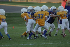 1270 (bubbaonthenet) Tags: 09292016 game stma community 4th grade youth football team 2 5 education tackle 4 blue vs 3 gold