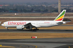 """ET-ANO   Boeing 777-260LR   Ethiopian Airlines """"The Rift Valley"""" (cv880m) Tags: southafrica boeing 777 johannesburg rsa etano ethiopian riftvalley 772 jnb tambo 777200lr 777200 ethiopianairlines 777lr ortambo"""