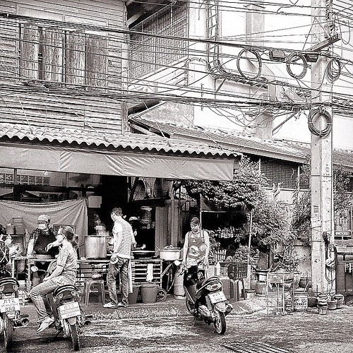 best restaurant in Hua Hin Thailand #bestrestaurant #nightlife #street #streetlife #streetview #streetscape #instatravel #instalike #instagood #bw #bnw #bldg #blancoynegro #blackandwhite #photography #photographer #traveller #travel #travelphotography #hu