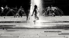 IMG_20160724_1668_001_ff (fabri192020) Tags: streetphotography street streetlife citylife urbanlife people water fontana estate summer blackandwhite biancoenero monocromo torino