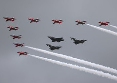 Red Arrows and Friends_RAF_EGVA_3191 (Mike Head -Jetwashphotos) Tags: uk england display unitedkingdom gloucestershire formation typhoon raf ffd redarrow jwp raffairford egva f35b riat2016