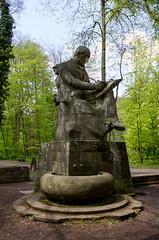 Statue au bout de la Platanenallee le long du Neckar (Πichael C.) Tags: vacances allemagne visite tourisme statue au bout de la platanenallee le long du neckar tübingen ville