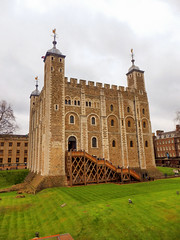 Tower of London (photphobia) Tags: tower toweroflondon london castle castillo fortress city oldwivestale cityoflondon outdoor architecture building
