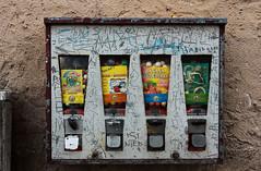 Bolongarostrae, Frankfurt-Hchst 2016 (Spiegelneuronen) Tags: frankfurtammain stadtteil hchst bolongarostrase kaugummiautomat