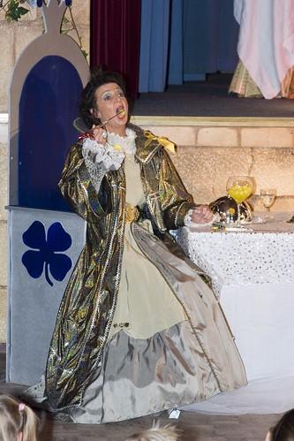 200610 De nieuwe kleedster vd keizer famstuk kl (169)
