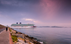 Britannia (Explored) (Eduardo Regueiro) Tags: britannia trasatlantico crucero corua galicia espaa spain sunrise sky light