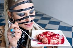 IMG_0454 (m.acqualeni) Tags: sexy girl tattoo dreadlocks trash blood punk nu bondage yeux bleu manuel gore blonde dread thrash dreads manu bas sang fille dreadlock vhs photographe bleus percing cervelle jaretelle acqualeni