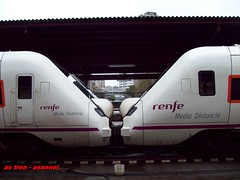 r 598 (asannei) Tags: train tren rail railway ferrocarril renfe adif ffcc 598 mediadistancia automotordiesel
