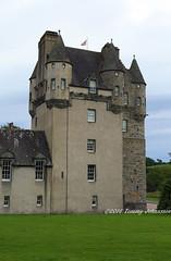 Castle Fraser (tommyajohansson) Tags: greatbritain castle geotagged scotland aberdeenshire unitedkingdom weekendbreak faved nts citybreak castlefraser nationaltrustscotland tommyajohansson
