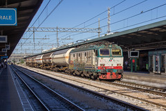 652.083 Bari Centrale (EGRP43924) Tags: e652 itlay italian railways bari centrale 652083 tanker train freight
