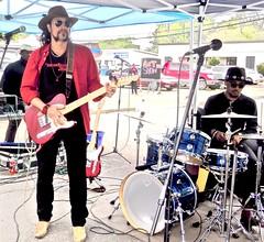 blues festival ~  watch (Shein Die) Tags: drum candid streetphotography streetscene clarksdale jukejointfestival bluesfestivals carloselliotjr studford