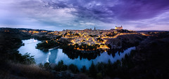 Toledo y el aguila (Daniel Pastor 70) Tags: city travel blue sunset panorama rio azul clouds river atardecer eagle ciudad paisaje toledo panoramica nubes bluehour lanscape viajar aguila horaazul