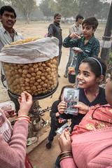 Zoltan Papdi 2015-5153 (Papdi Zoltan Silvester) Tags: india friendship happiness bonheur carefree newdelhi amiti gatewayofindia inde insouciance portedesindes