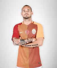 Wesley Sneijder (l3o_) Tags: galatasaray sar krmz red yellow forma jersey football futbol wesley sneijder