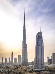 Burj Khalifa, Dubai (Taha Zuberi) Tags: dubai burj burjkahlif tall building landscape