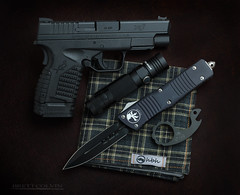 Easy Loadout (Fly to Water) Tags: springfield xds 45 auto 45auto pistol handgun concealed carry every day edc tactical microtech combat troodon automatic knife edge edged weapon black olight s30 s30r s30rii baton light flashlight led vox voxnaes jesper snailor snail zirconium handkerchief hank hanks hanksbyhank