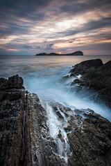 Volver... (JLIbiza) Tags: mar mediterraneo canon cielo colores costa tago mago olas filtros lee tiempo rocas lineas paisaje landscape baleares amanecer