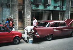Streets of Havana - Cuba (IV2K) Tags: havana habana lahabana cuba cuban tuba cubans caribbean street film analogue mama 7ii mamiya7ii mamiya7 kodak kodakportra kodakportra400 portra400