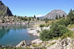 Le lac Lauvitel / Lauvitel lake (Chemose) Tags: montagne mountain lauvitel lac lake water eau parcdesecrins isre dauphin france canon eos 7d aot t august summer hdr landscape