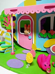 Easter Trailer12 (annesstuff) Tags: rabbit bunny easter toy miniature mini trailer collectible kozik labbit frankkozik annesstuff foamcraft
