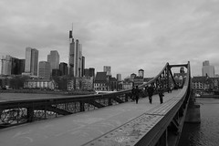 Skyline, eiserner Steg, Frankfurt am Main (marc.fray) Tags: skyline germany deutschland hessen frankfurt main brcke allemagne frankfurtammain francfort steg eisernersteg francfortsurlemain