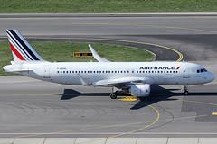Air France Airbus 320-214 F-HEPH (c/n 5869) (Manfred Saitz) Tags: vienna france austria airport air airbus vie a320 320 freg schwechat loww sharklets fheph