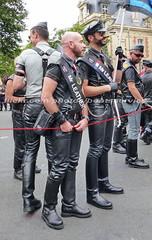 """bootsservice 16 480995 (bootsservice) Tags: paris """"gay pride"""" """"marche des fiertés"""" bottes cuir boots leather sm motards motos motorcyclists motorbiker caoutchouc rubber uniforme uniform orlando"""