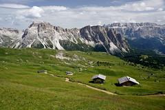 Sotto il Fermeda verso Col Raiser (Franco Vannini) Tags: dolomiti dolomites odles sassrigais fermeda seceda valgardena valdifunes odle
