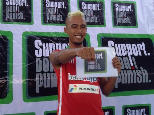 2016-27 Indonesia activists (3)