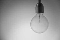 Turn on the light (Salva Pags) Tags: bombeta bombilla bulb blancoynegro blancinegre blackandwhite blancetnoir llum luz light