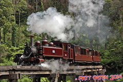 Rounding (MattOatenVR) Tags: railroad trestle bridge creek train engine australia victoria steam dandenong ranges billy locomotive cockatoo emerald preservation 6a belgrave 7a puffing 12a 14a menzies 8a gembrook