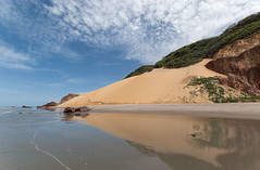 Brazil - Icapu (Nailton Barbosa) Tags: brezilya plaj dunes cliffs nordeste ne cear ce icapu icapui dunas falsias falsia litoral mar oceano praia de ponta grossa nikon d80 brasilien strand        brasil playa acantilados         brsil plage brazil beach brasile           brazylia plaa         brazlie duny