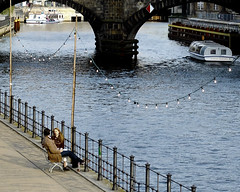 An der Spree (Danny Jim) Tags: berlin river bench lovers romantic spree springtime