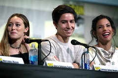 Alycia Debnam-Carey, Lorenzo James Henrie & Danay Garcia (Gage Skidmore) Tags: dave erickson alpert greg nicotero robert kirkman gale anne hurd colman domingo kim dickens cliff curtis frank dillane mercedes mason alycia debnam carey lorenzo james henrie danay garcia fear walking dead amc san diego comic con international california convention center