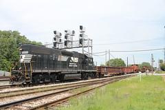 NS 5333 (cc8039) Tags: ns ihb trains gp38 bottle train dolton illinois
