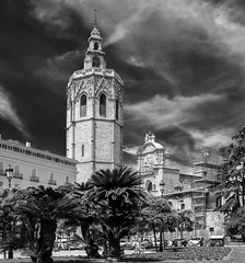 El Miguelete ( Valencia Cathedral) Plaza de La Reina - Valencia (BW) (Canon PowerShot G1X) (markdbaynham) Tags: valencia spain espana espanol city urban metroplis es canon powershot g1x bw el miguelete cathedral canonite