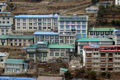 Schne Hotels in Namche (Alfesto) Tags: trekking nepal jorsalle namche namchebazar himalaya khumbaarea sagarmathanationalpark