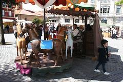 La Ascensin 030 (Jusotil_1943) Tags: laascensin nio barraca tiovivo gente madera caballos