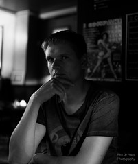 ND5_6503_Lr-edit (Alex-de-Haas) Tags: gelderland nederland netherlands nijmegen nimwege noviomagus sander bedachtzaam city dude guy ingedachtenverzonken inthoughts jongen man peinzend pensive pondering stad town