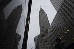 Chrysler Building (Alberto Sen (www.albertosen.es)) Tags: nuevayorknewyork2016septiembreviaje ny nyc albertosen viaje canon canong7x chrysler biulding edificio rascacielos skyscrapper eeuu unitedstates estadosunidos artdeco freelance photographer street streetphotography reflejo mirror espejo reflection day dia light luz cloudy nublado